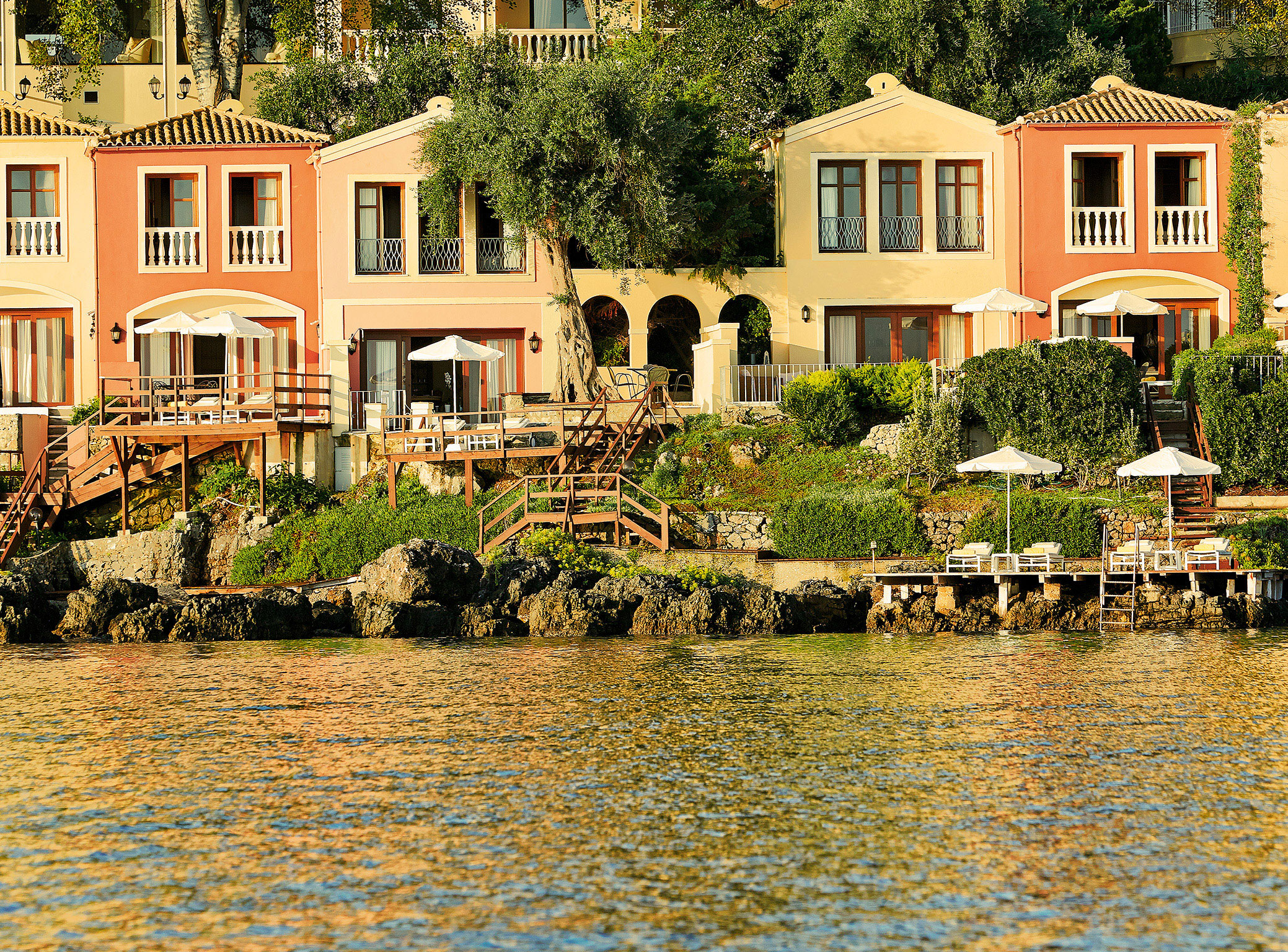 Video of the best luxury hotel in corfu corfu imperial hotel for Exclusive luxury hotels