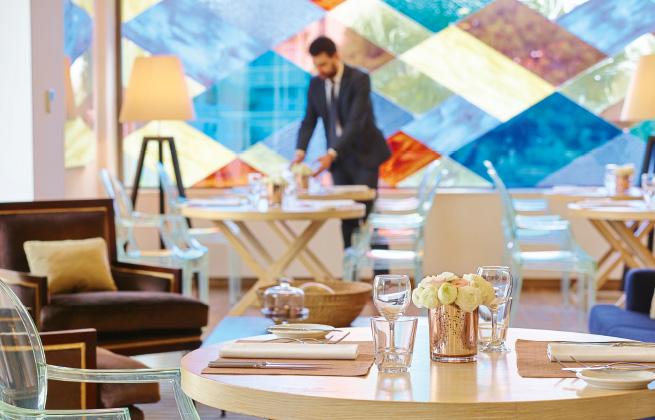 11-vouliagmeni-suites-meetings