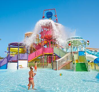 02-club-marine-aqua-park-family-activities