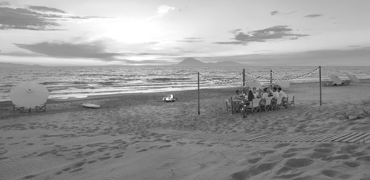 01-grecotel-resorts-summer-offers-in-greece_bw