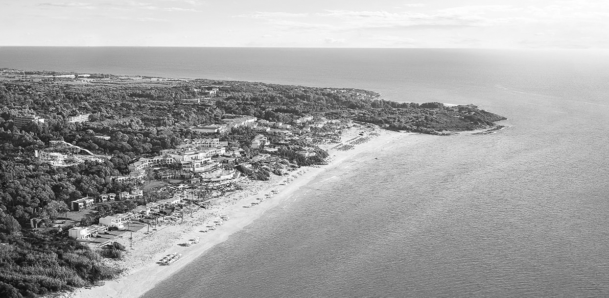 02-riviera-olympia-beach-resort-peloponnese-bw