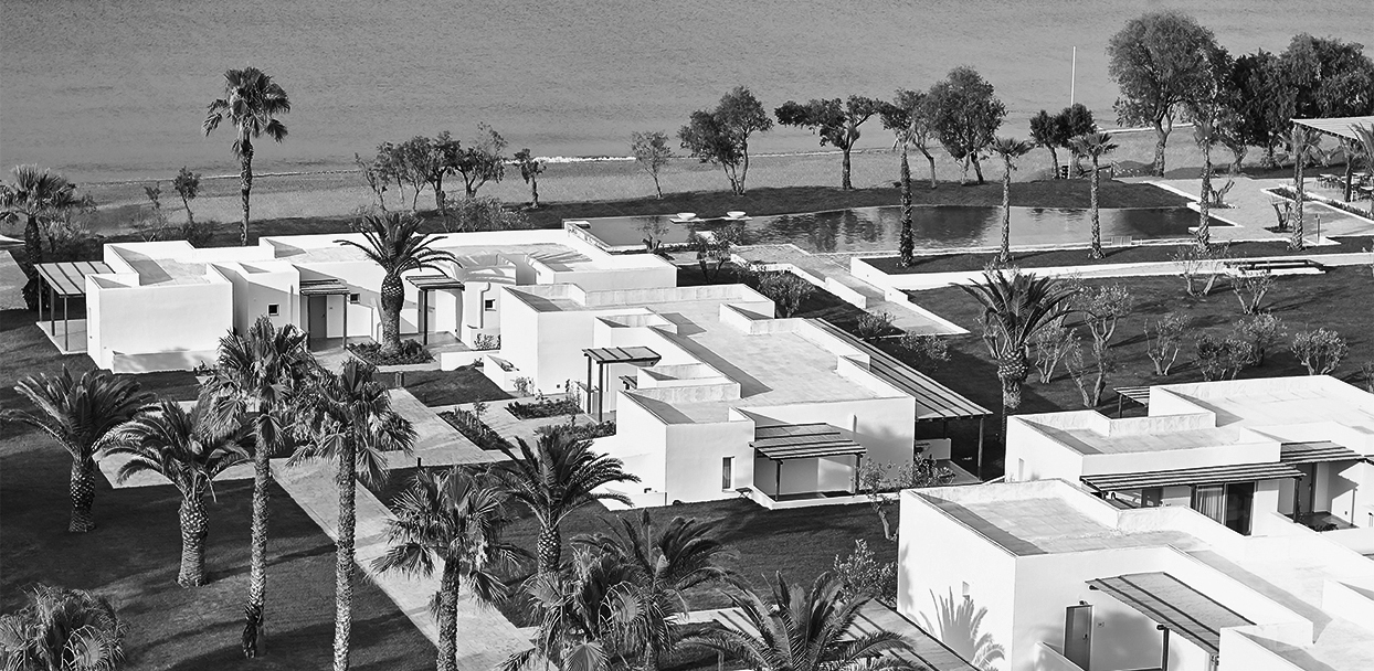 casa-marron-resort-in-peloponnese_bw