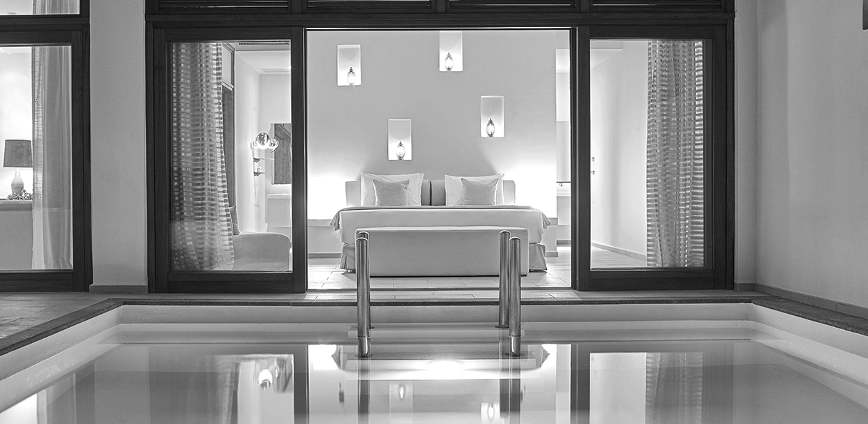 Top-Villas-resorts-in-greece_bw