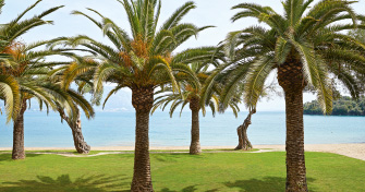 02-daphnila-bay-luxury-resort-holidays-in-corfu