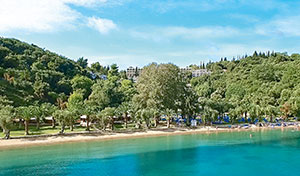daphnila-bay-dassia-lux-all-inclusive-living-in-corfu