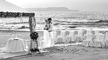 luxury-weddings-in-grecotel-hotels-and-resorts_bw