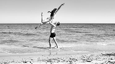 olympia-riviera-resort-dance-festival_bw