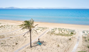tailor-made-luxury-in-grecotel-villas-by-the-beach