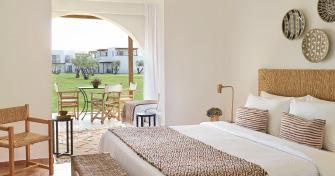 02-casa-marron-luxury-resort-accommodation-in-peloponnese