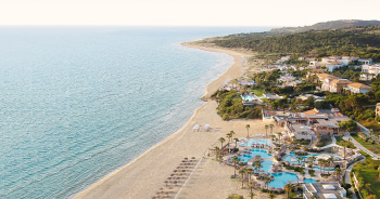 02-riviera-olympia-luxury-beach-resort-in-peloponnese-greece