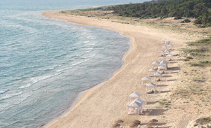 12-Best-Beach-Resorts-in-Greece