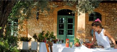 09-Cretan-Cuisine-Organic-Products