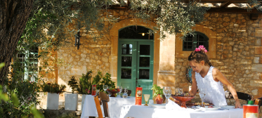 03-cretan-cuisine-with-organic-products-taverna-agreco-farm