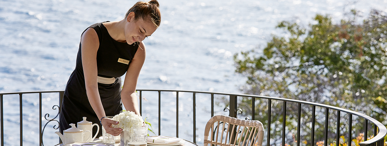 high-quality-services-hospitality-warm-greece-grecotel