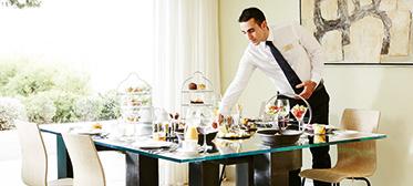 butler-service-grecotel-top-villas-greece