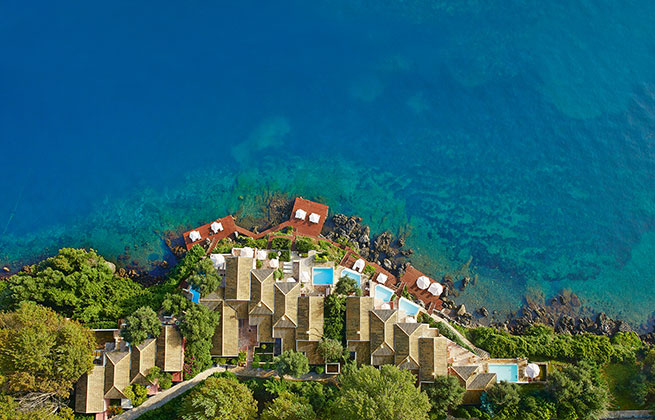 Corfu-Imperial-luxury-beachfront-living-in-corfu